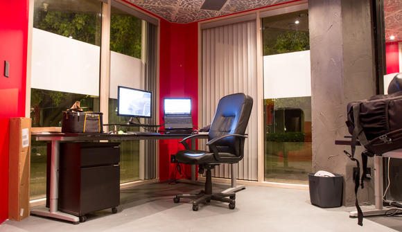 Private desk 2