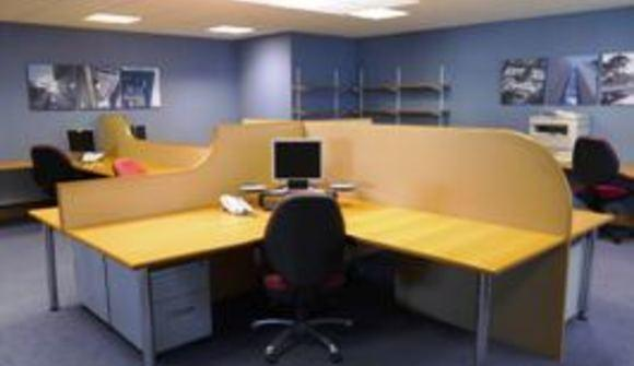 Office space standard desk2