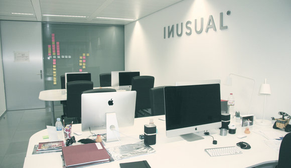 Inusual office 07