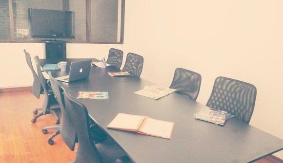 Workingup coworking quito sala de reuniones 1