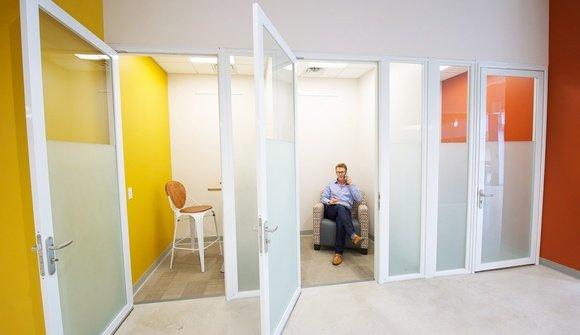 Phone room1