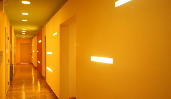 122 w 27 hallway
