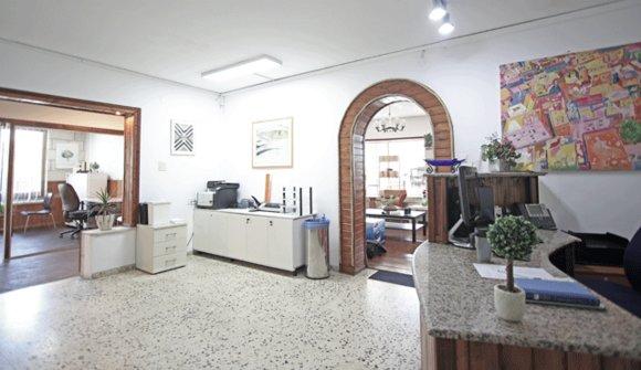 Gallery 10 2