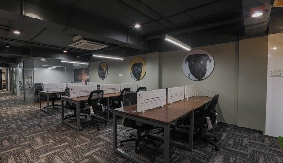 Premium desk
