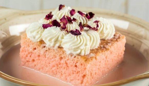 Rose sukkar milk cake
