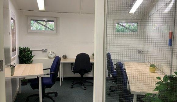 Avonmore office 2 x4