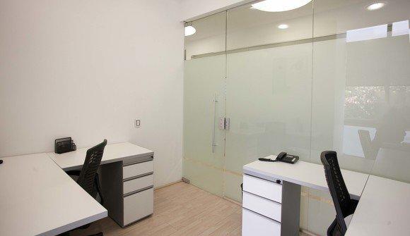 Oficina 3 puestos calle 90 1